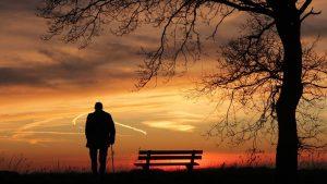 אדם זקן – פתרונות ביטוח סיעודי עכשיו
